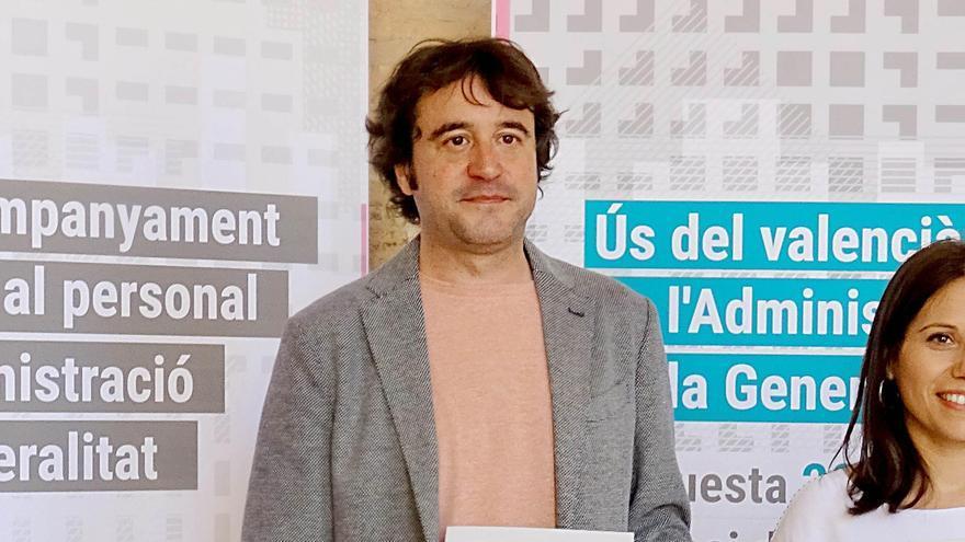 Rubén Trenzano y Eva Coscollà en la presentación del Pla d'Acompanyament Lingüístic