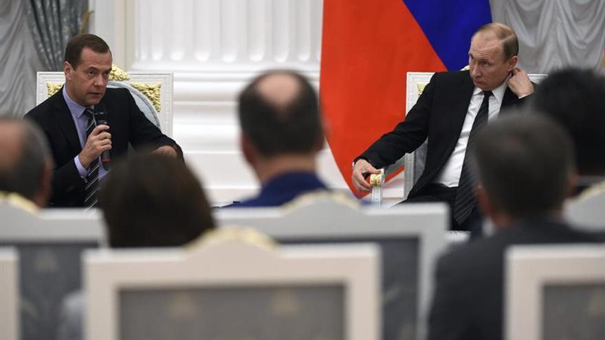 Putin sacrificará a Medvédev tras las elecciones, según un líder liberal ruso