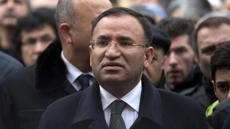 Turquía anuncia una reunión con EEUU para solventar la crisis de los visados