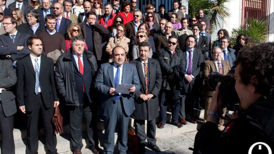 Imagen de archivo de una concentración de abogados y procuradores protestando por los impagos de la Junta. | MADERO CUBERO