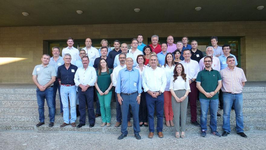 Los candidatos del PSOE en Facultad de Educación de la UMU, donde se ha celebrado el Comité Regional del PSRM