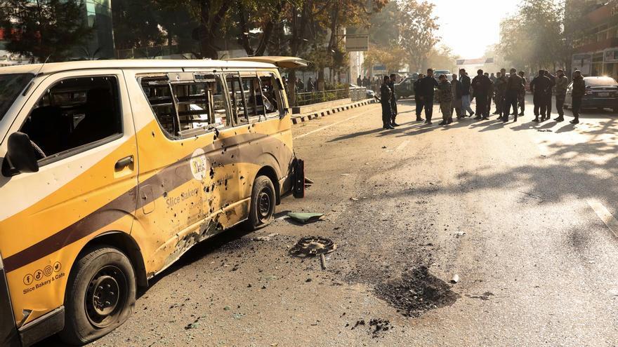 Una serie de explosiones golpean la capital de Afganistán
