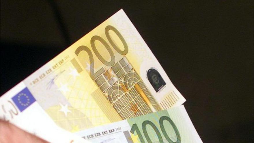 Ofrecen un préstamo sin interés a nuevos padres, además de un regalo de 600 euros