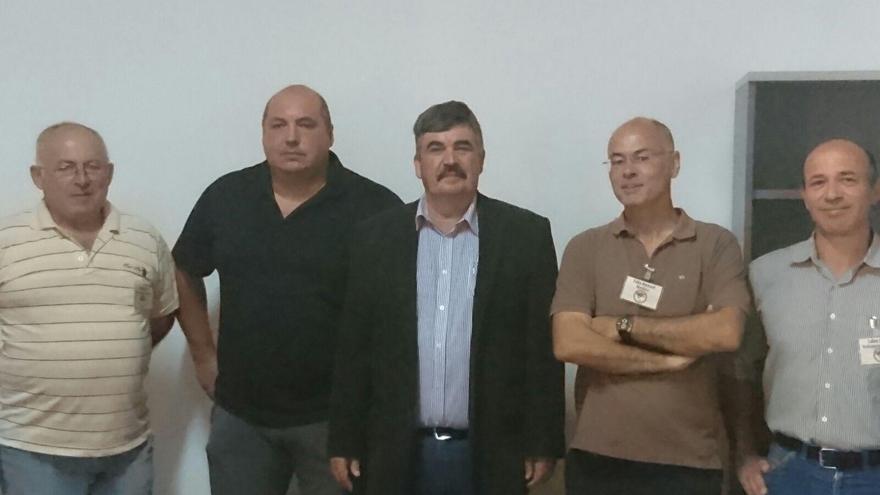 Juan Manuel (centro), consejero de Medio Ambiente y Servicios del Cabildo de La Palma, ha asistido al acto de apertura del 'XVI Encuentro de Viveristas'.