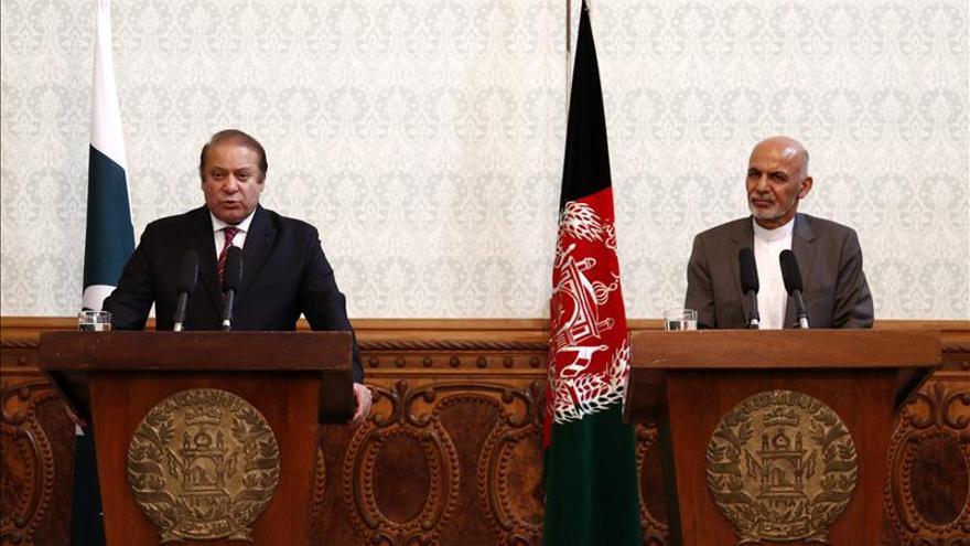 Pakistán y Afganistán piden más cooperación antiterrorista en una cumbre regional
