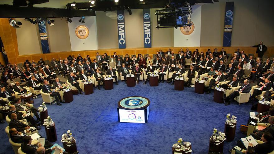 """El FMI afirma que los """"beneficios"""" de la regulación financiera """"compensan"""" los costos"""