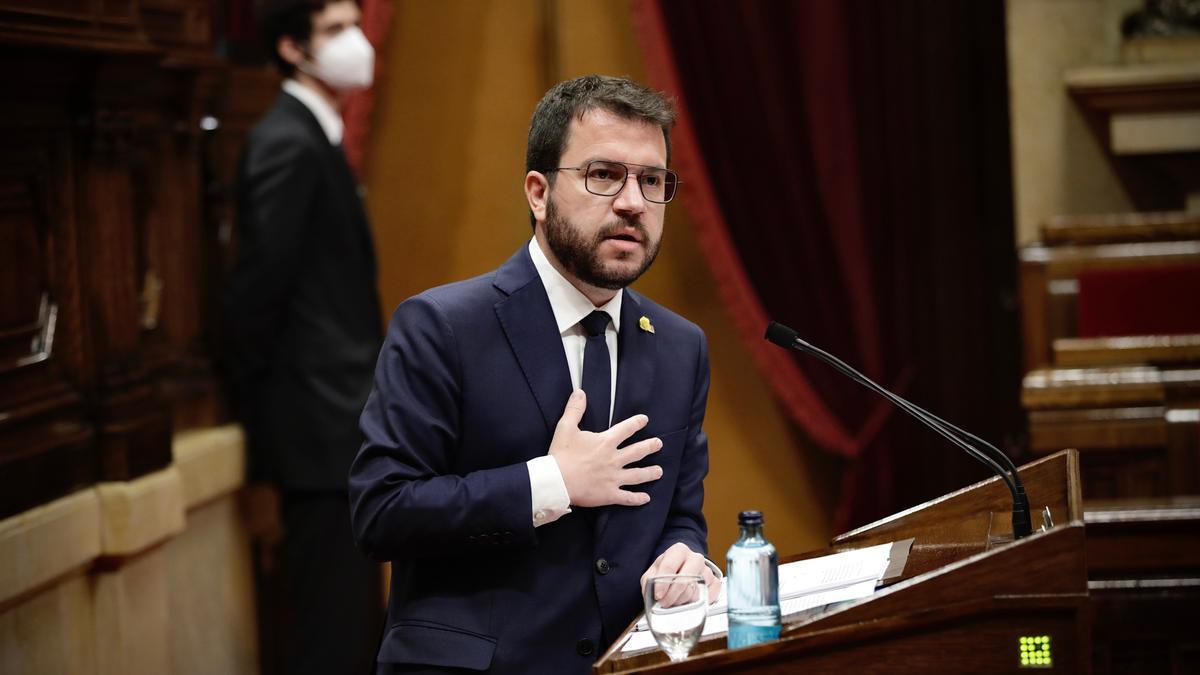 El líder de ERC, Pere Aragonès, durante el debate de investidura en el Parlament
