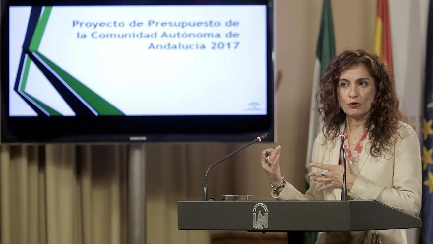 María Jesús Montero, durante la presentación del proyecto de Ley de Prespupuesto de Andalucía para 2017