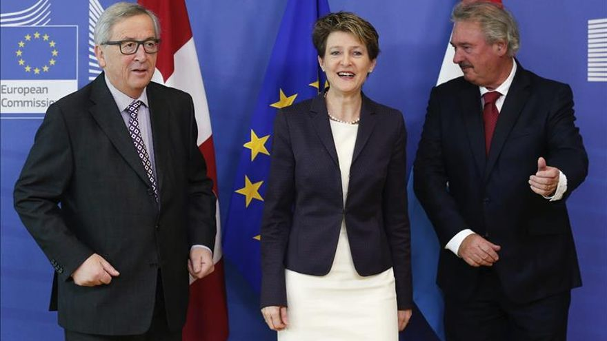 La UE y Suiza ven progresos en su relación y se citan en febrero para evaluarla
