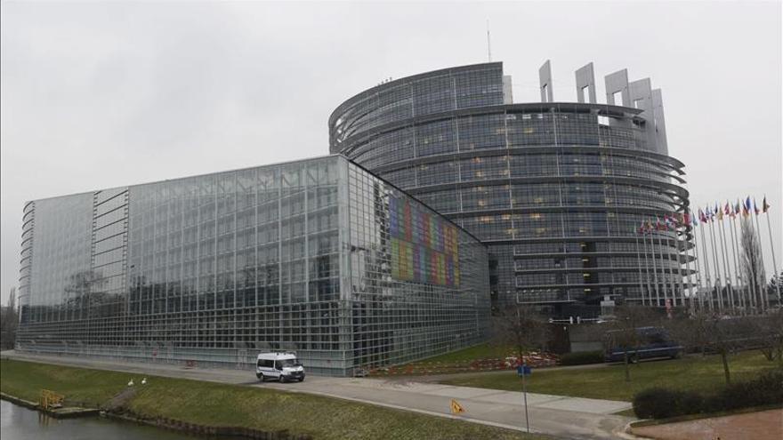 La UE izará a media asta las banderas europeas en apoyo a Francia