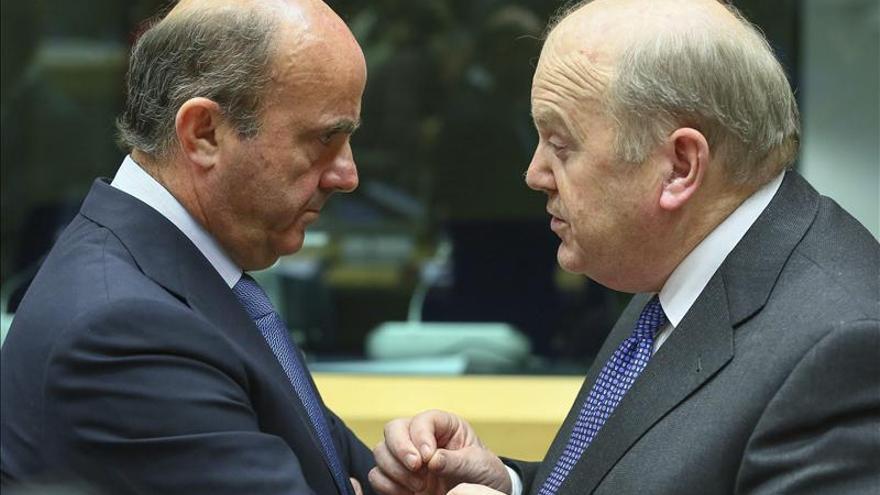 La UE pacta reglas de rescates bancarios con protección especial de depósitos
