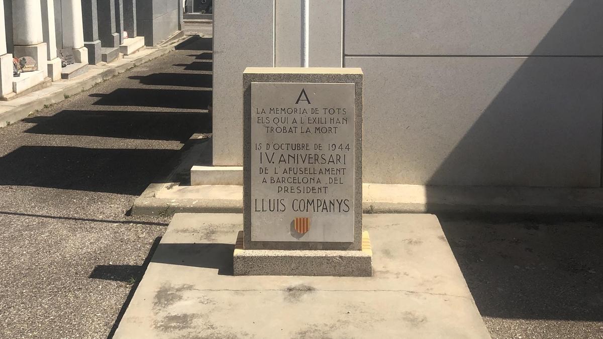 Monolito memorial a los exiliados españoles muertos en Perpiñán, en el Cementerio del Oeste