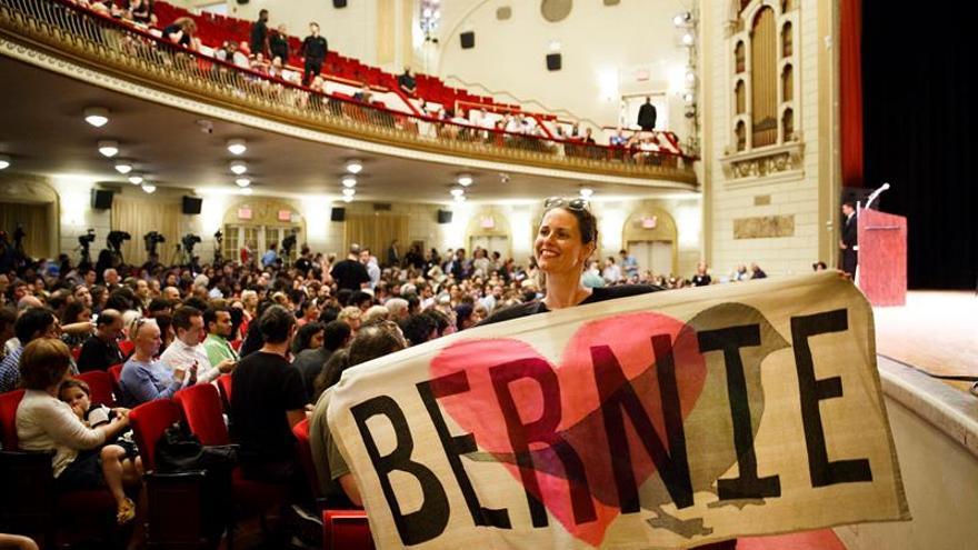 Sanders asegura que votará por Clinton, su rival de primarias, en noviembre