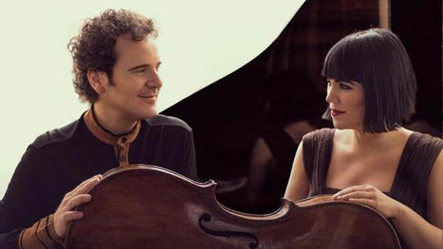 El violonchelista Damián Martínez y la pianista Marta Moll.