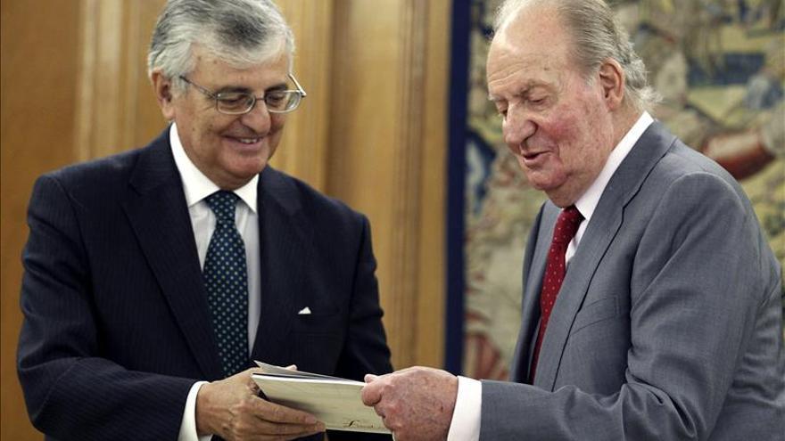 Torres-Dulce se reúne con el Rey y le entrega la Memoria de la Fiscalía