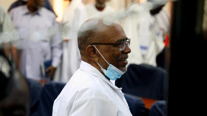 Sudán decide entregar a la CPI a exdirigentes acusados de crímenes en Darfur