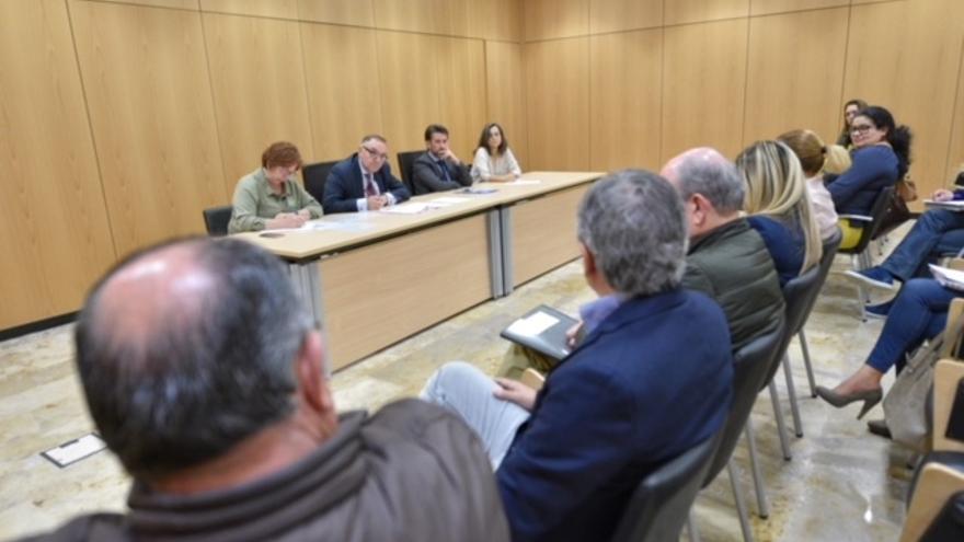 Reunión del consejero Baltar con algunos alcaldes del norte de Tenerife, por la ausencia de los del PSOE