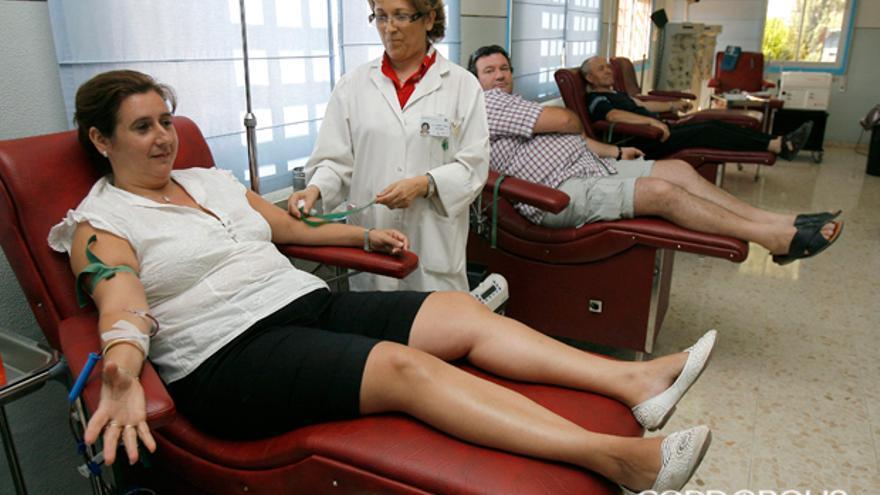 Personas donando sangre | MADERO CUBERO