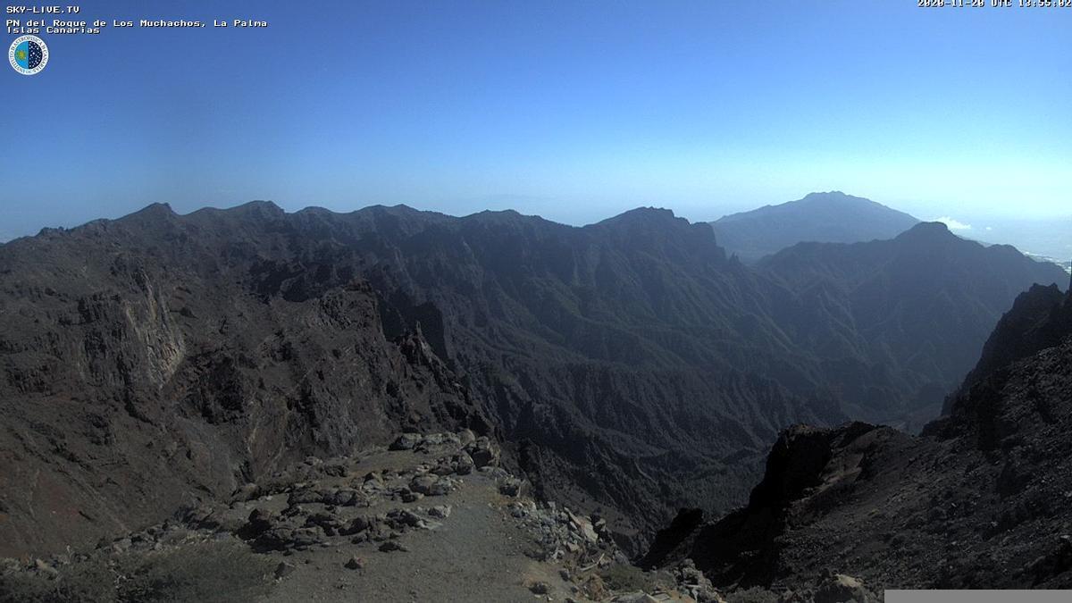 Imagen  de las cumbres de La Palma captada  este viernes de la webcam de Sky Live TV del IAC en el Roque de Los Muchachos (Garafía).