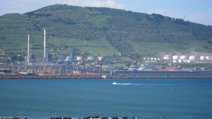 Medio Ambiente autoriza la extracción de arena y la construcción de un nuevo muelle en el Puerto de Bilbao