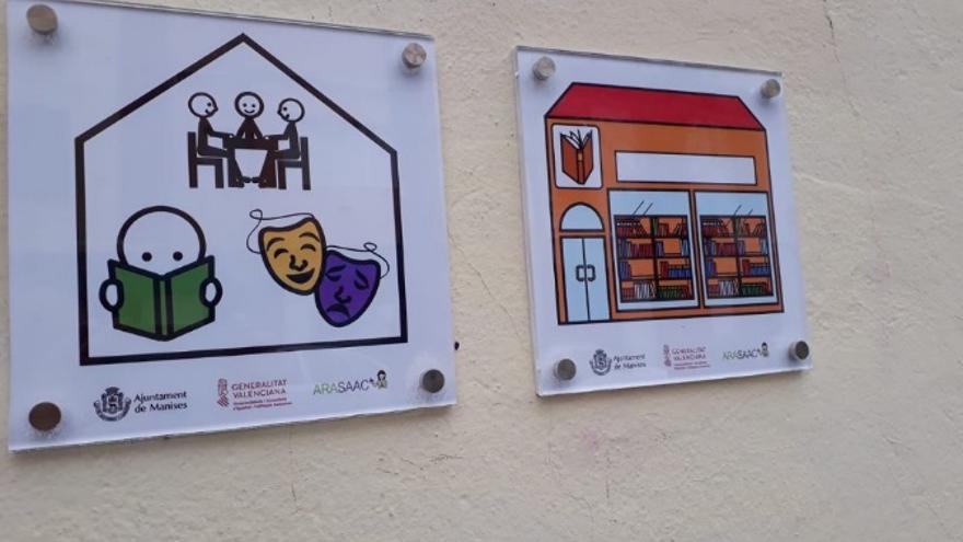 Ejemplo de pictogramas en el municipio de Manises (Valencia).