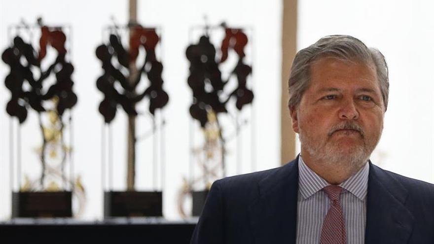 Méndez de Vigo censura la decisión de la C.Valenciana sobre las prácticas en hospitales