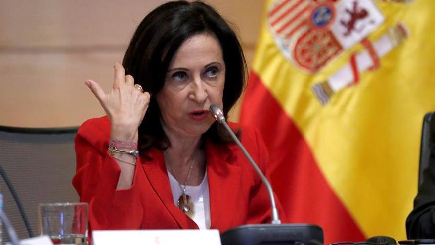 Defensa investiga a 5 reservistas que firmaron un manifiesto exaltando a Franco