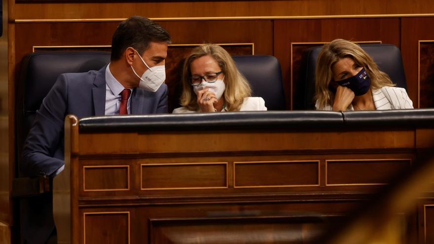 Calviño no cuestiona las previsiones de crecimiento de 2021 pese al INE
