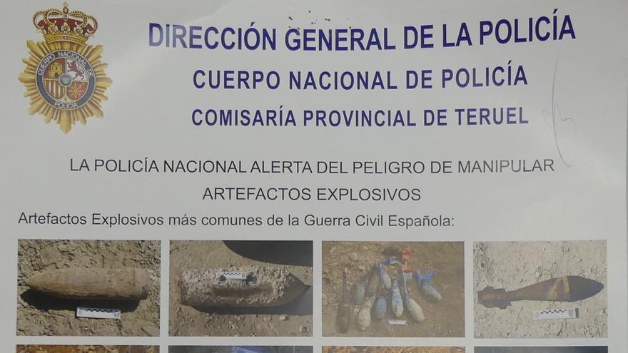 Cartel sobre artefactos explosivos de la Policía Nacional