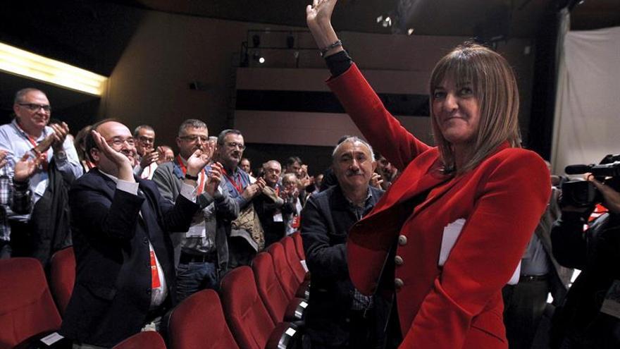 "Mendia elogia la ""mirada plural"" que aporta el PSC al PSOE: ""Os necesitamos"""