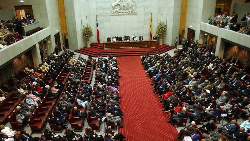 Diputados chilenos aprueban una ley que castiga la colusión con cárcel