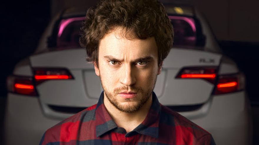 """George """"Geohot"""" Hotz (26 años), inventor del sistema que convierte un coche en autónomo."""