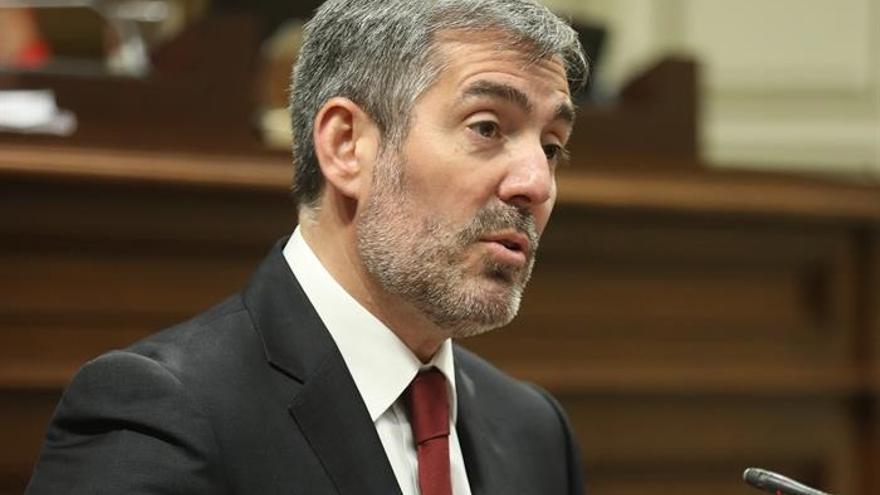 El presidente de Canarias, Fernando Clavijo, durante el debate del Estado de la Nacionalidad Canaria. EFE/ Cristóbal García