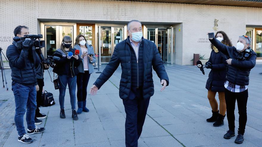 Fernando Roig contesta a las preguntas del juez en la causa contra Fabra