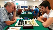Acción de uno de los duelos disputados en la sexta jornada