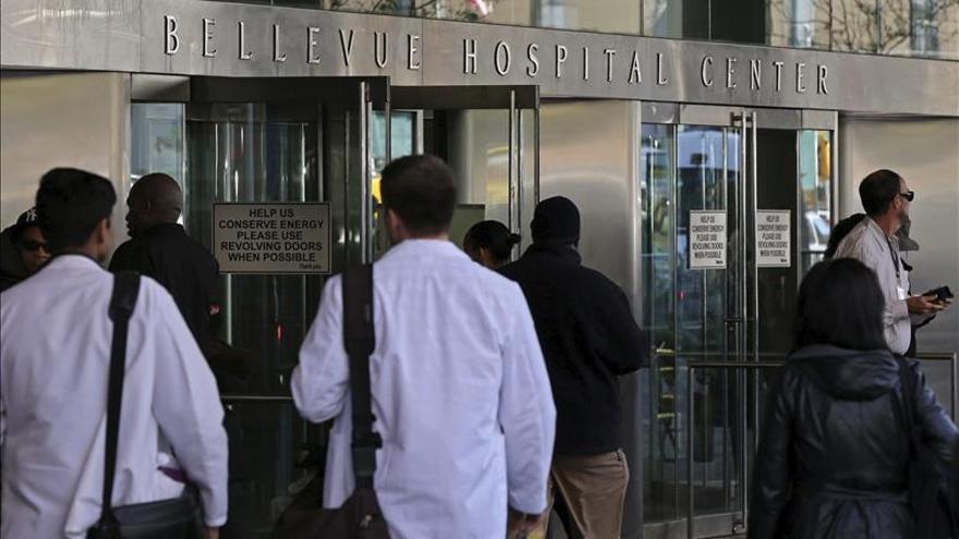 La enfermera que desafió la cuarentena por ébola en EEUU logra una victoria judicial