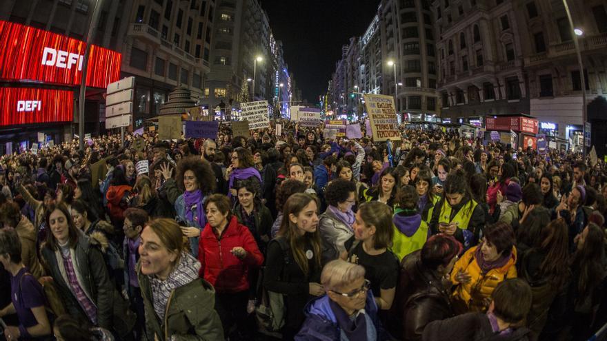 Llegando a Plaza de España: tramo final de la Gran Vía, las manifestantes ya llegan al final de la marcha