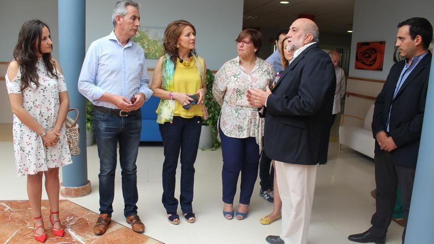 Aurelia Sánchez visita recursos de Servicios Sociales en Valdepeñas (Ciudad Real)