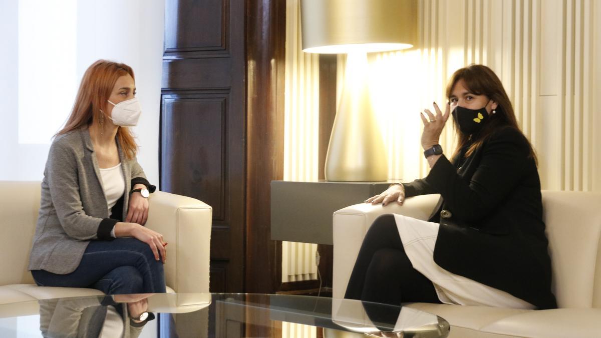 La presidenta del Parlament, Laura Borràs, se ha reunido presencialmente con Jéssica Albiach en la ronda de contactos
