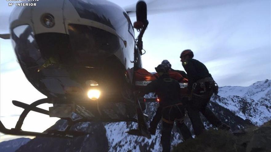 Muere un montañero vasco tras sufrir una caída en el Pirineo