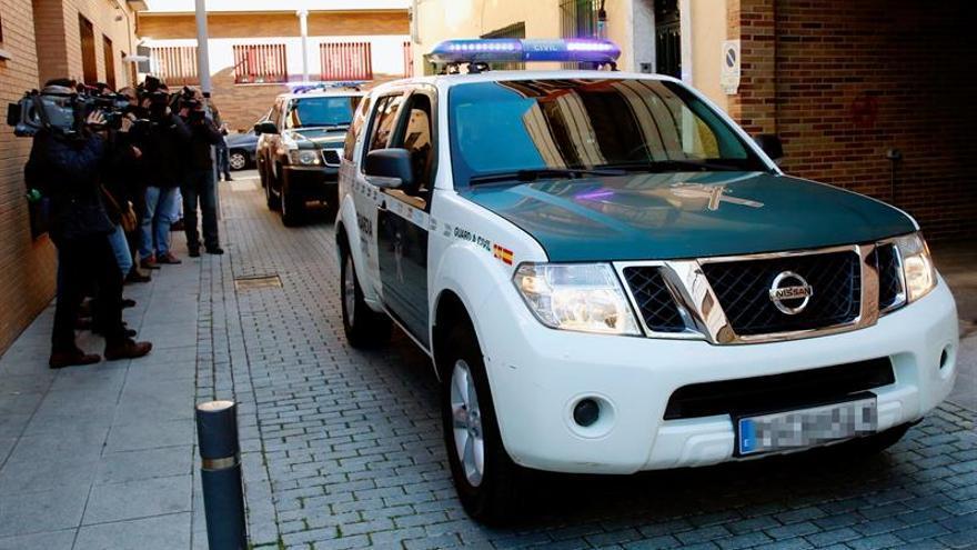 La G.Civil busca en el Ayuntamiento de Cartagena información de la desaladora
