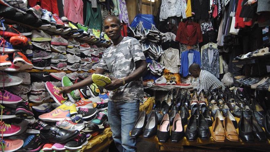 La caridad de Occidente que mata la industria textil de África