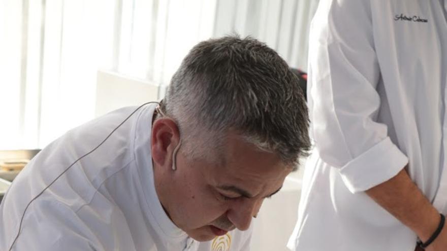 Pedro Rodriguez preparando la tapa