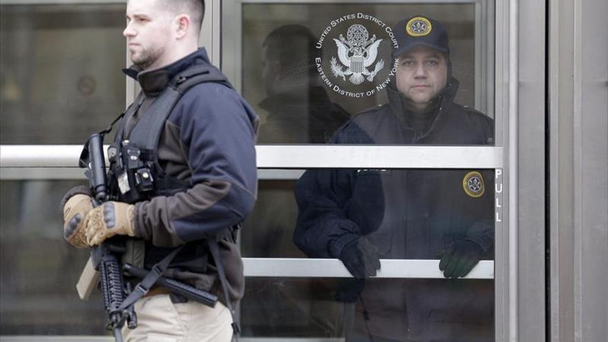 Exmilitar de EE.UU. procesado por intentar unirse al EI se declara no culpable