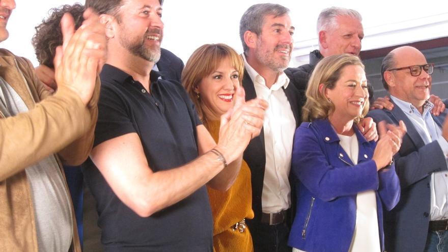 Los miembros de Coalición Canaria en la noche electoral del 28 de abril.
