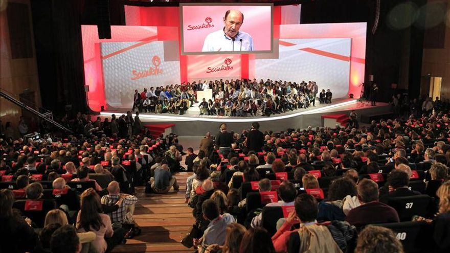 """Rubalcaba dice que """"el PSOE ha vuelto"""""""