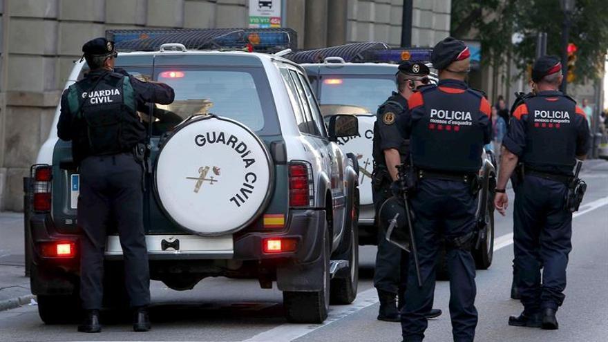 Interior asume la coordinación de las Fuerzas de Seguridad en Cataluña