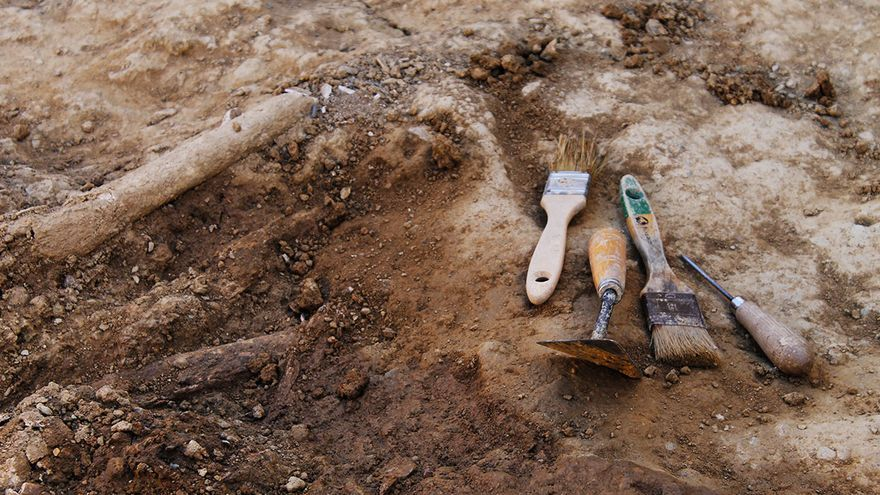 Utensilios para trabajos arqueológicos. / J.M.B.