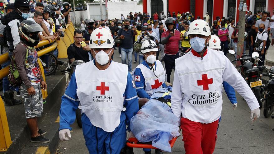 Tres muertos en hechos confusos durante protesta en ciudad colombiana de Cali