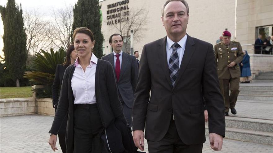 Fabra y Cospedal arropan a Rita Barberá en el funeral por su madre